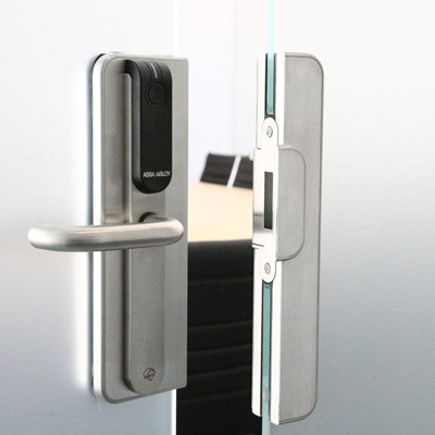 Architectural Glass Solutions With Aperio Wireless Lock Technology From ASSA ABLOY